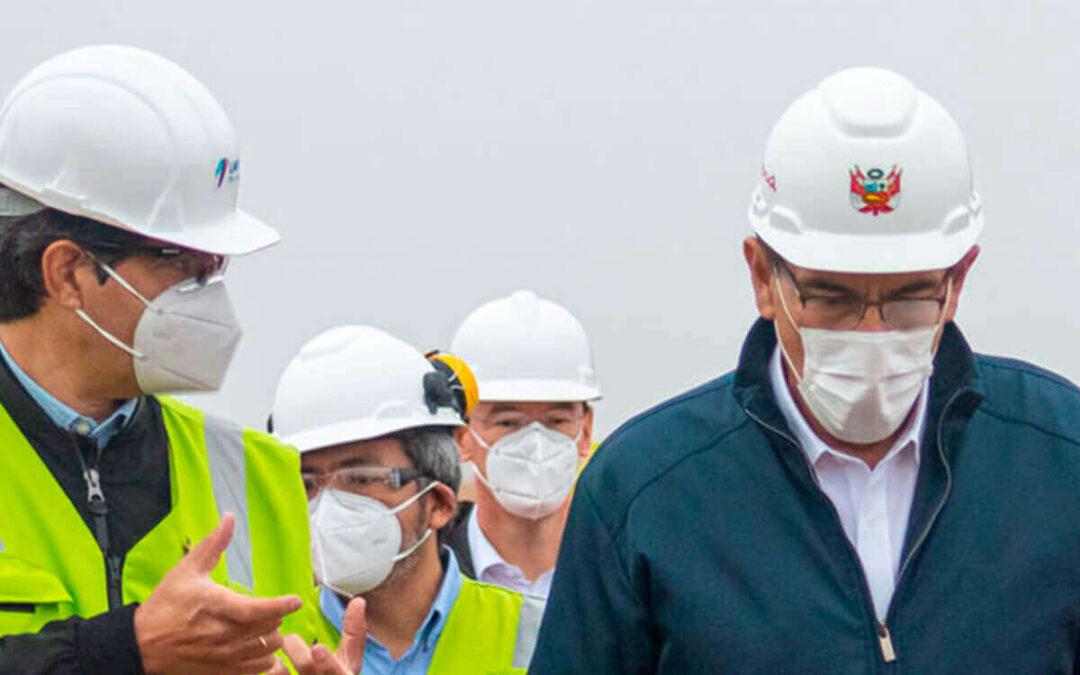 PRESIDENTE VIZCARRA INSPECCIONA AVANCES DE LA NUEVA TORRE DE CONTROL DEL AEROPUERTO INTERNACIONAL JORGE CHÁVEZ